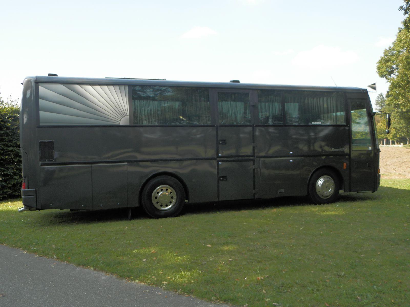 grote-uitvaartbus-5